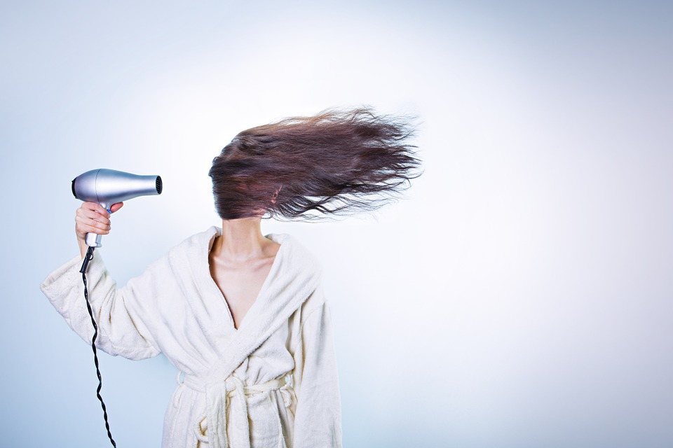 3 Tips For Saving Time On Your Hair In The Morning