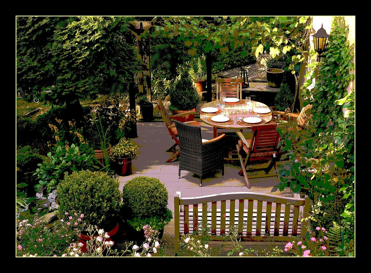 how to create the best outdoor furniture area on a minimal budget